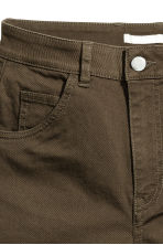 High-waisted twill shorts - Dark khaki green - Ladies | H&M 3